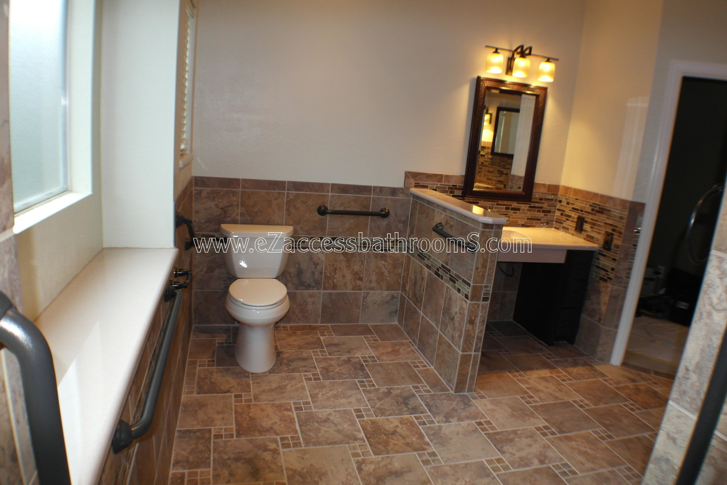 SENIOR FRIENDLY BATHROOMS EZACCESSBATHROOMS.COM 832202843 MOORE 361.JPG