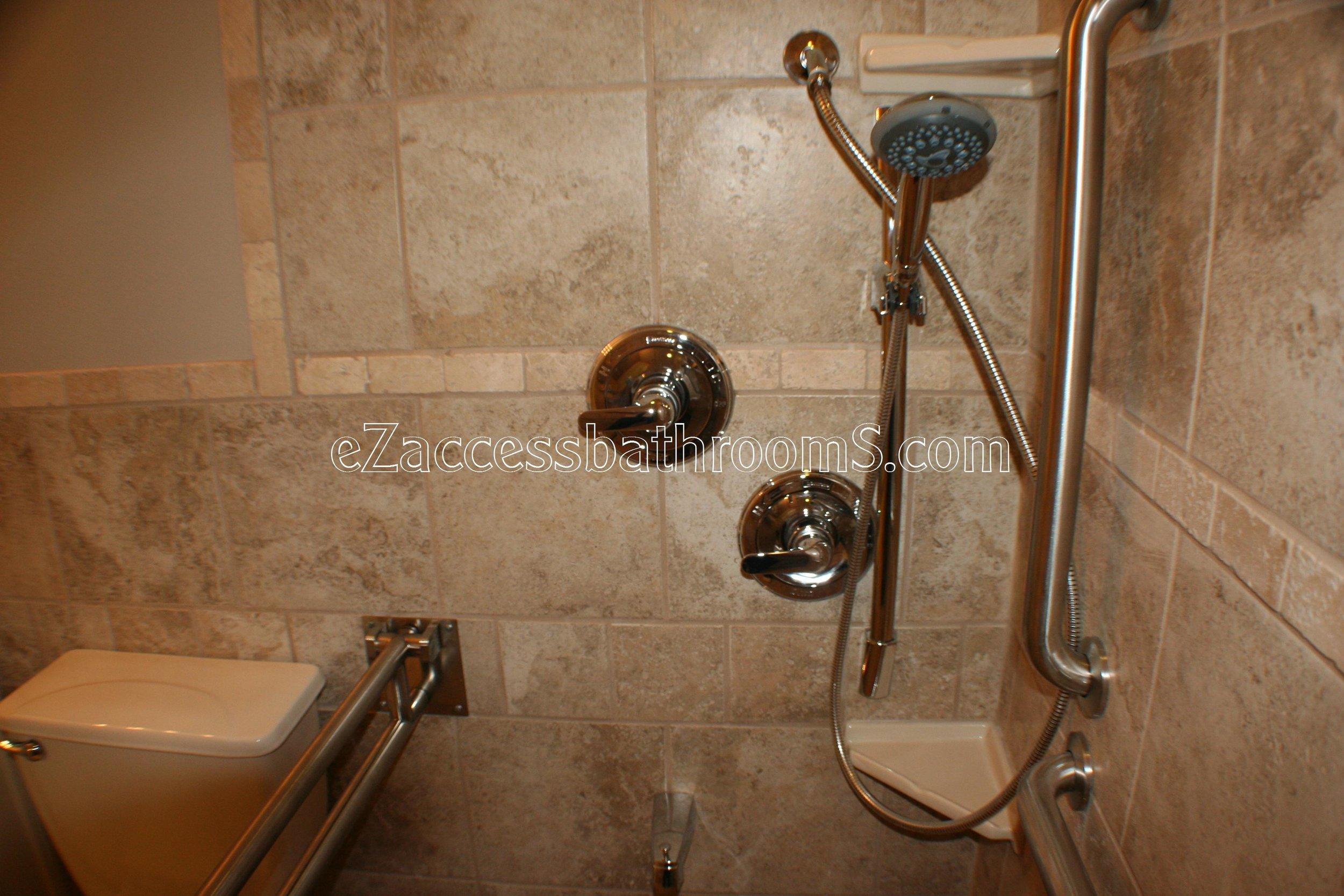 handicap bathroom 01 ezacessbathrooms.com 014.jpg