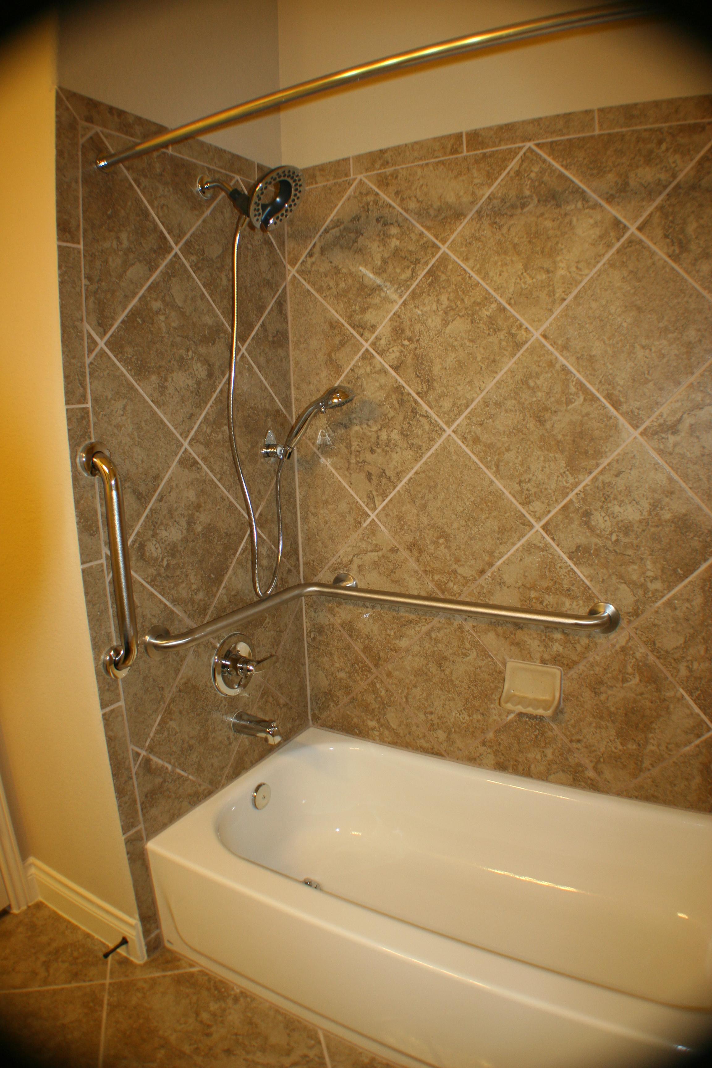 safety bath tub bars ezaccessbathroom.com 001.JPG