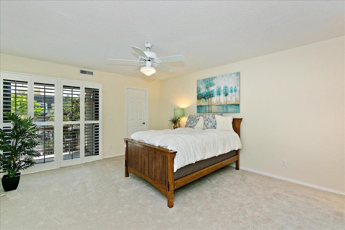 11-Master Bedroom.jpg