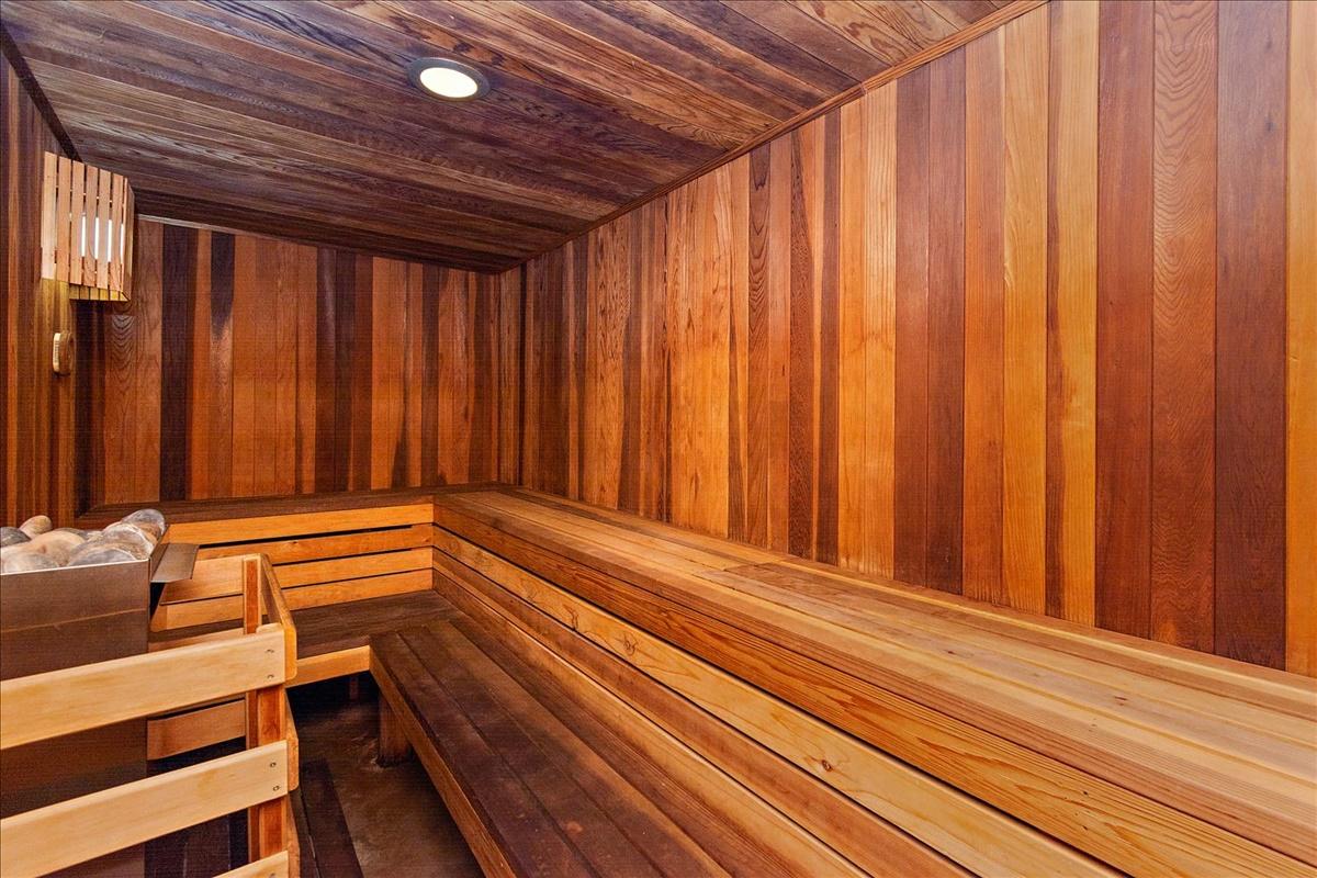 21-Sauna.jpg