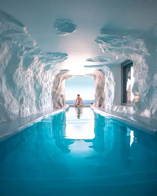 I've been wanting to come to Greece for as long as I can remember, so this week I finally made it happen! Just arrived here in Mykonos staying in the famous cave pool villa at @cavotagoomykonos This has to be up there as one of the most incredible rooms I've ever stayed in! Excited to share with you whatever adventures unfold over the next week. 🙌🏻🇬🇷 #cavotagoomykonos #cavotagoo #mykonos