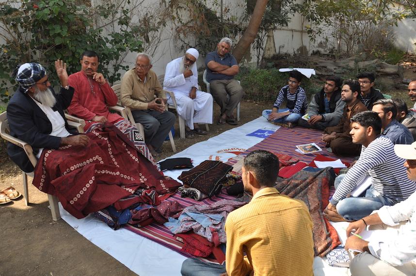 Master Advisors teach artisan students DSC_0345.JPG