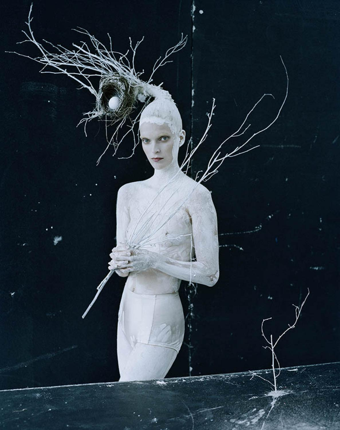 SHE CASTS A SPELL - TIM WALKER PHOTOGRAPHY FOR VOGUE ITALIA