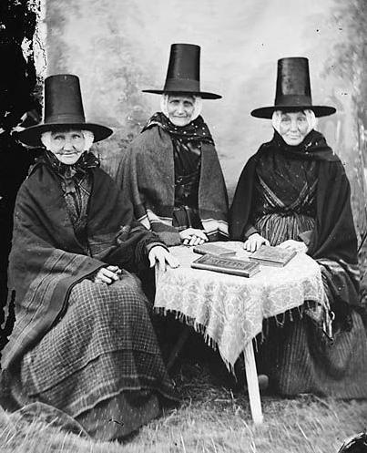 WELSH LADIES LOOKING SPOOKY