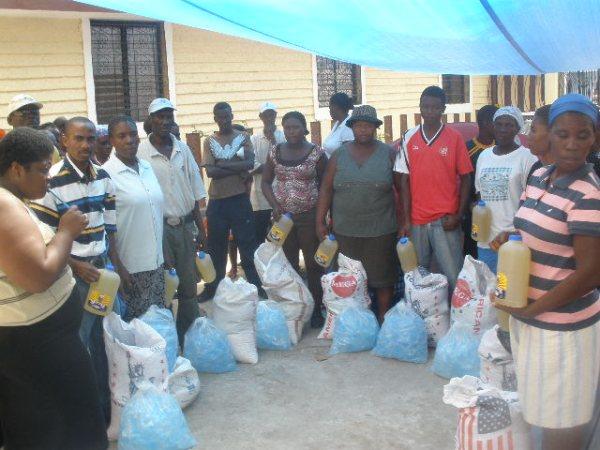 2010-02-20 FoodDist1 Distribution.jpg