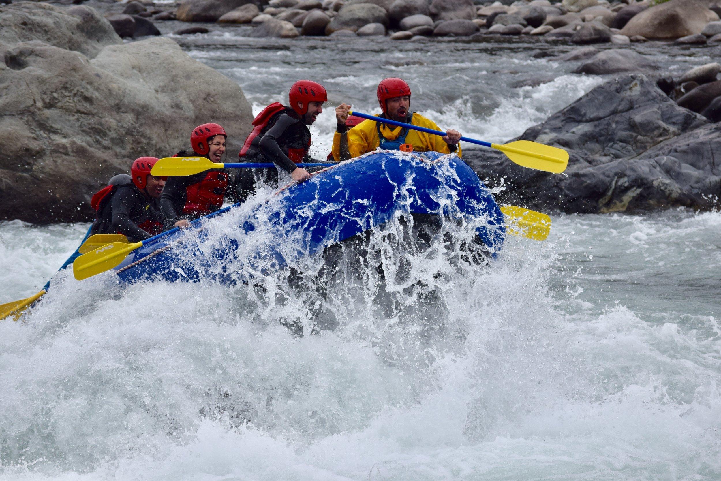 Adrenalina garantizada - Rafting Río Ñuble.