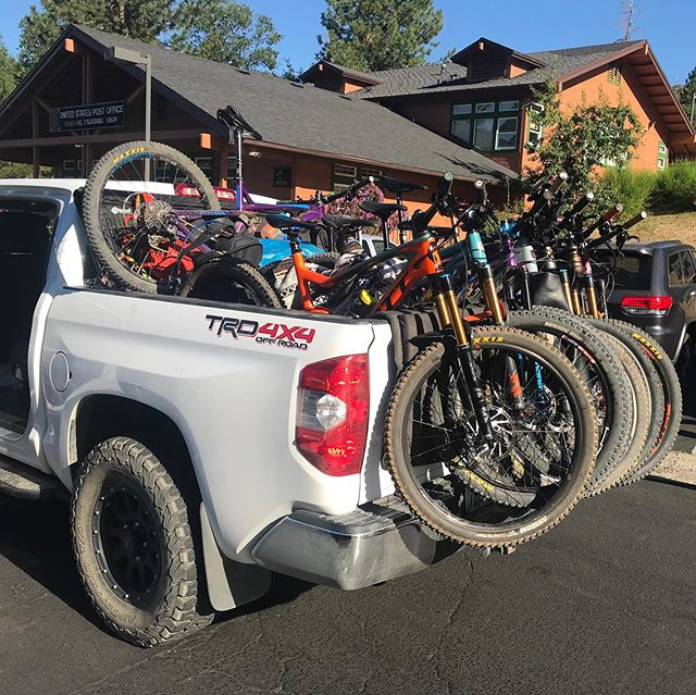 We don't shuttle often, but when we do we reduce our carbon footprint by cramming 8 bikes and just as many humans into the shuttle rig 😂. #trdoffroad #toyotatundra #mountainbike #norcobikes #santacruzbikes #scottbike #trekbikes #evilbikes #cluster #basslake