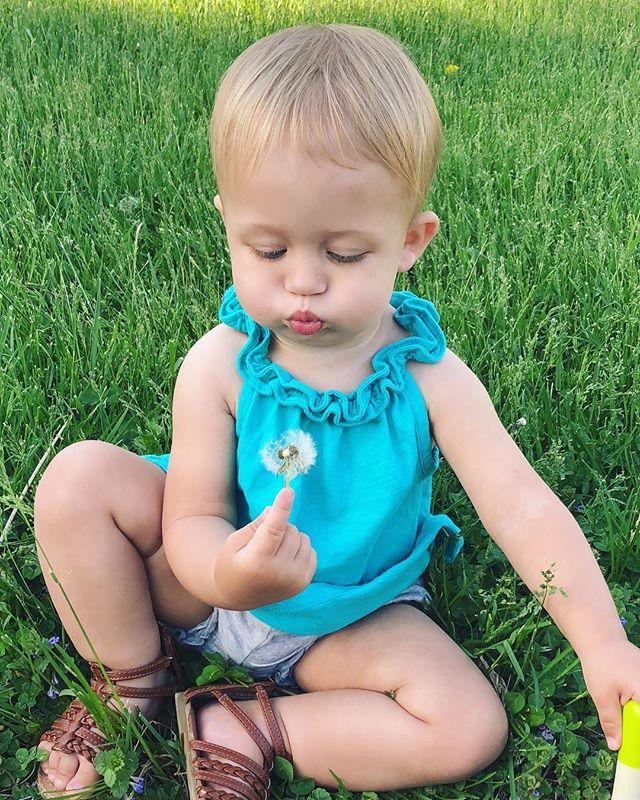 Make a wish!  #thisishowwestroll #dadlife #momlife #parents #familyblog #familyblogger #mommyandme #daddysgirl #mommysgirl #dad #momblogger #dadblogger #parentblogger