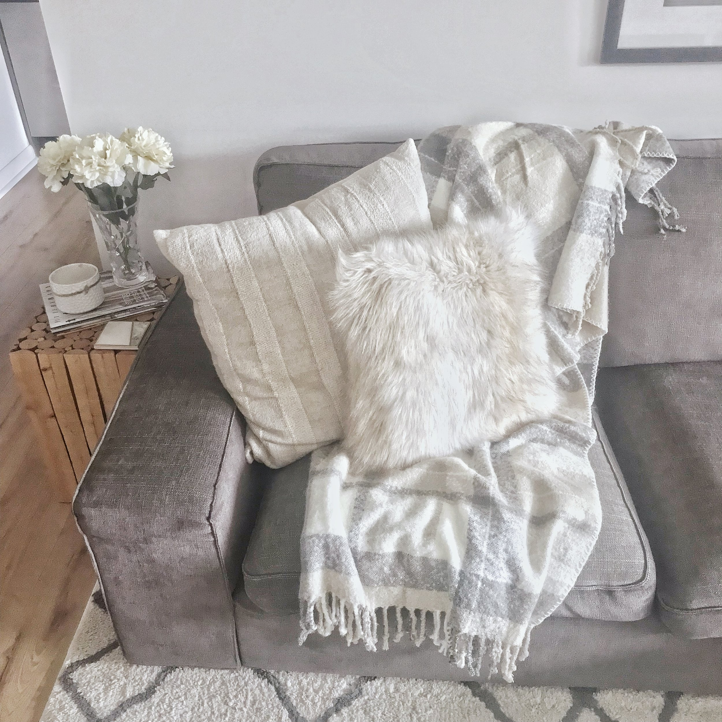 How To: Style a Throw Blanket — The Life She Wanders