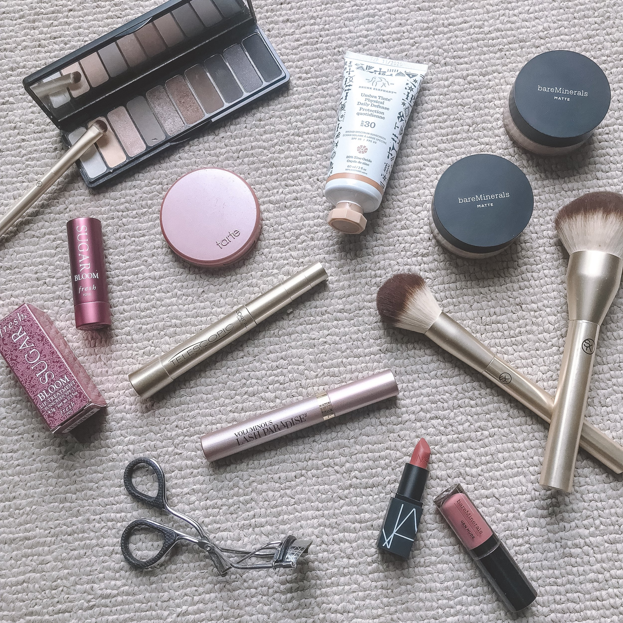 My 5 Minute Everyday Makeup Routine -- The Life She Wanders