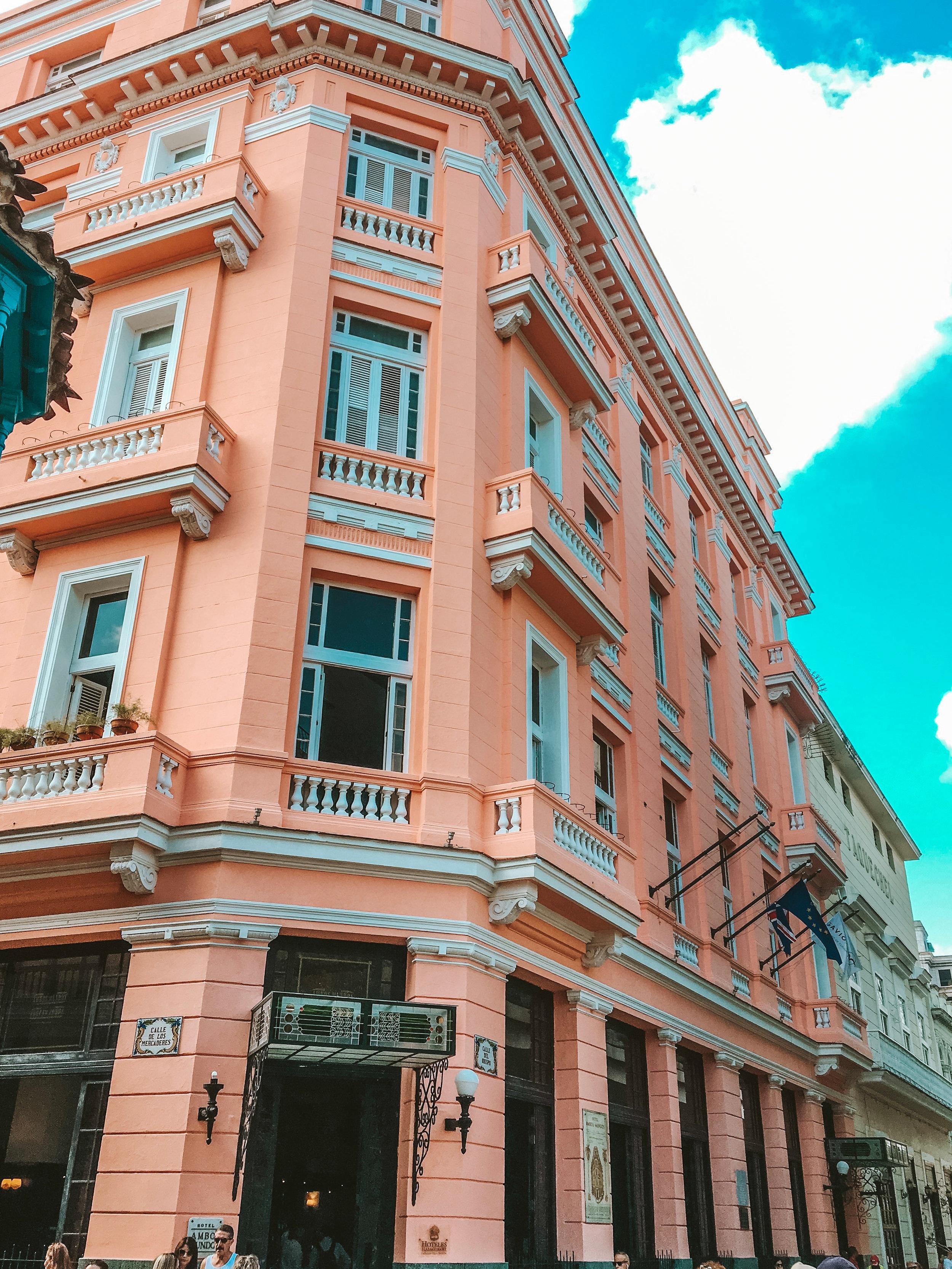 Hotel Ambus Mundo