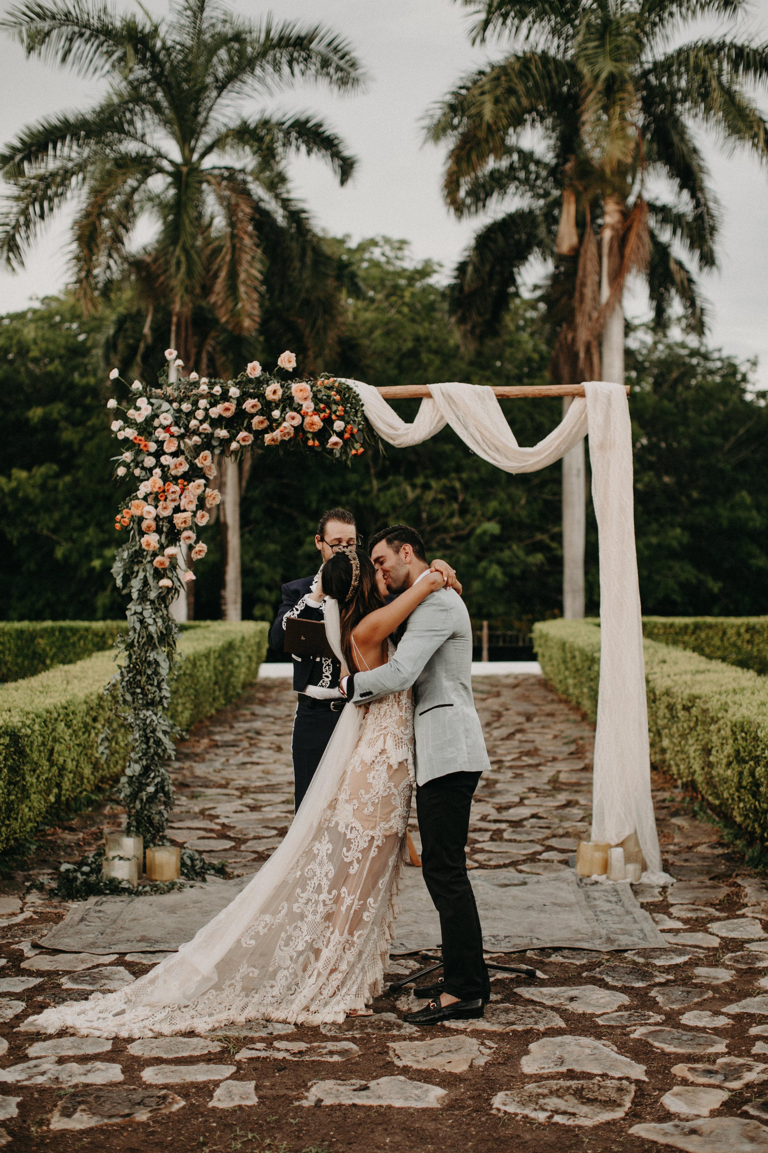 Hacienda Temozon Yucatan Mexico Wedding | Ida & Peter Emily Magers Photography-1113.jpg