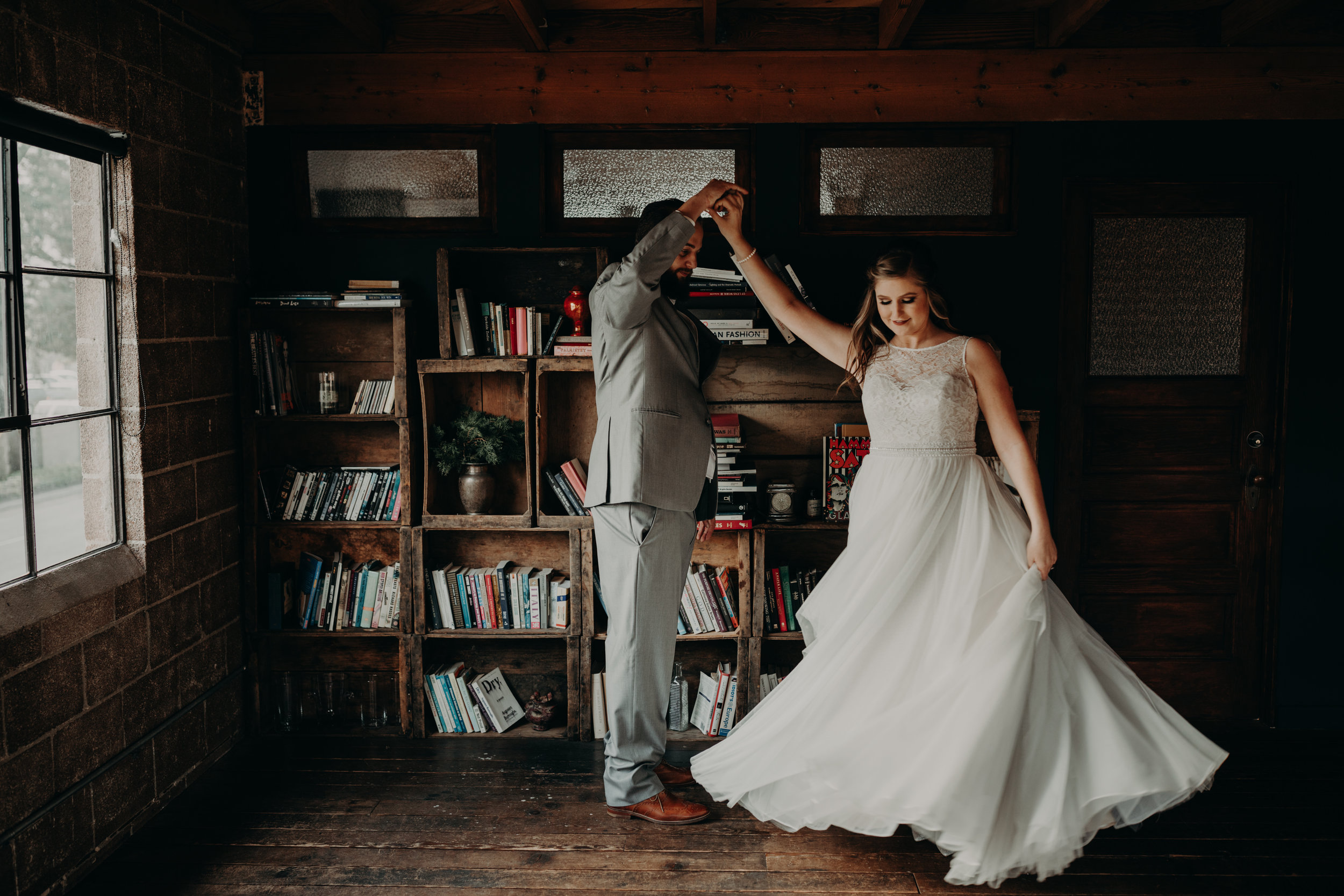 Smoky Hollow Studios Wedding Anne & Lewis Emily Magers Photography-408.jpg