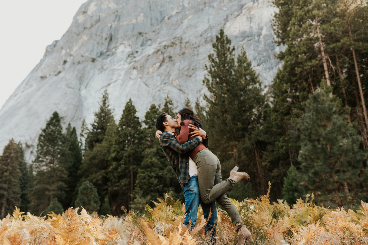 03_Yosemite-National-Park-Engagement-Session-Emily-Magers-Photography6.jpg