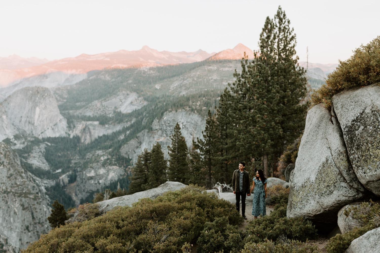 Glacier Point overlook at Yosemite National Park