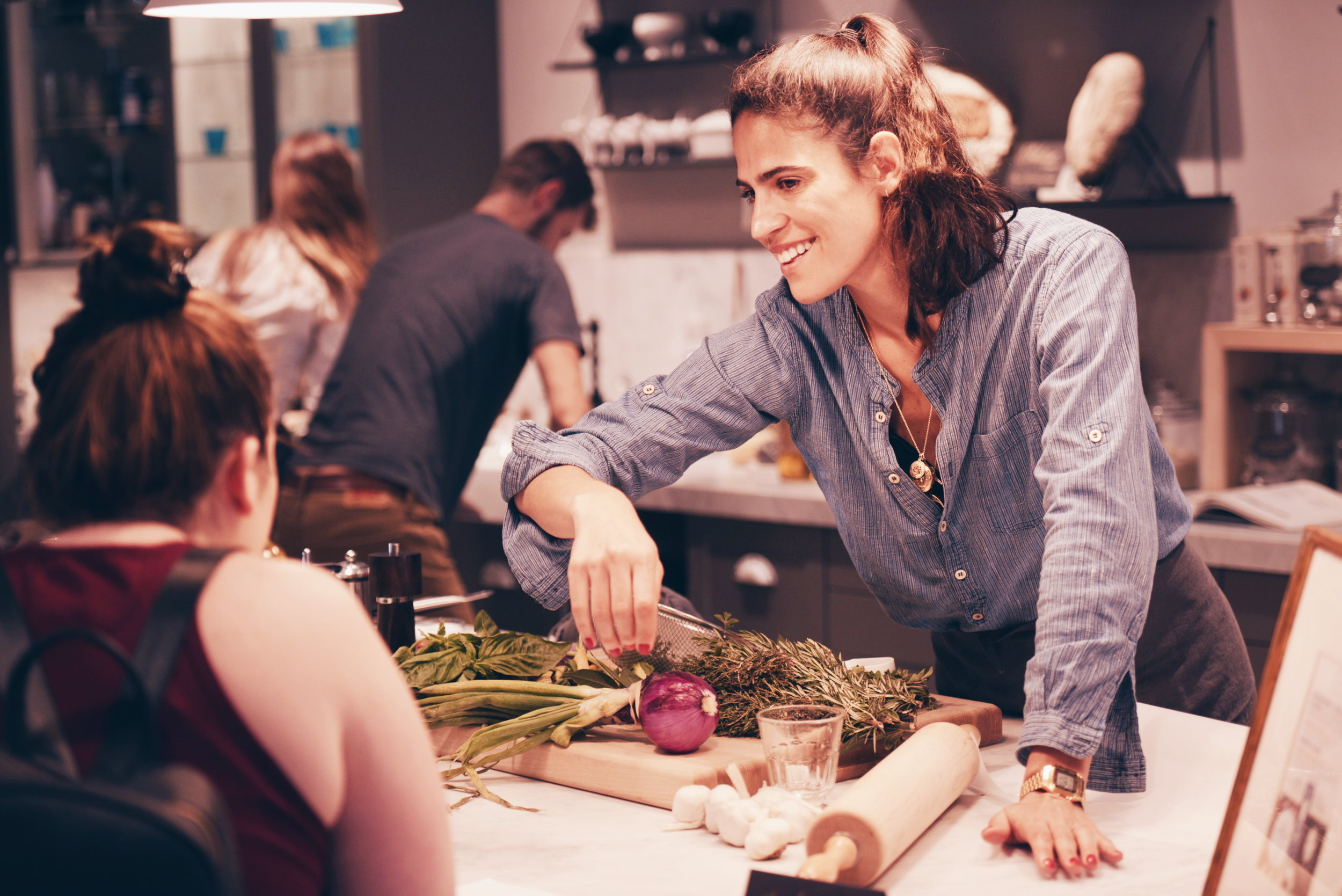 Héloise giving a cooking class in LA