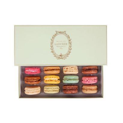 lincontournable-box-of-12-macarons.f9f8ac654b9f6d9a2066012628194124.jpg