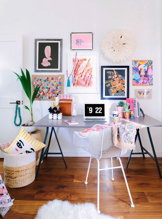 Libby of Libby Living Colorfully's Cheerful Space