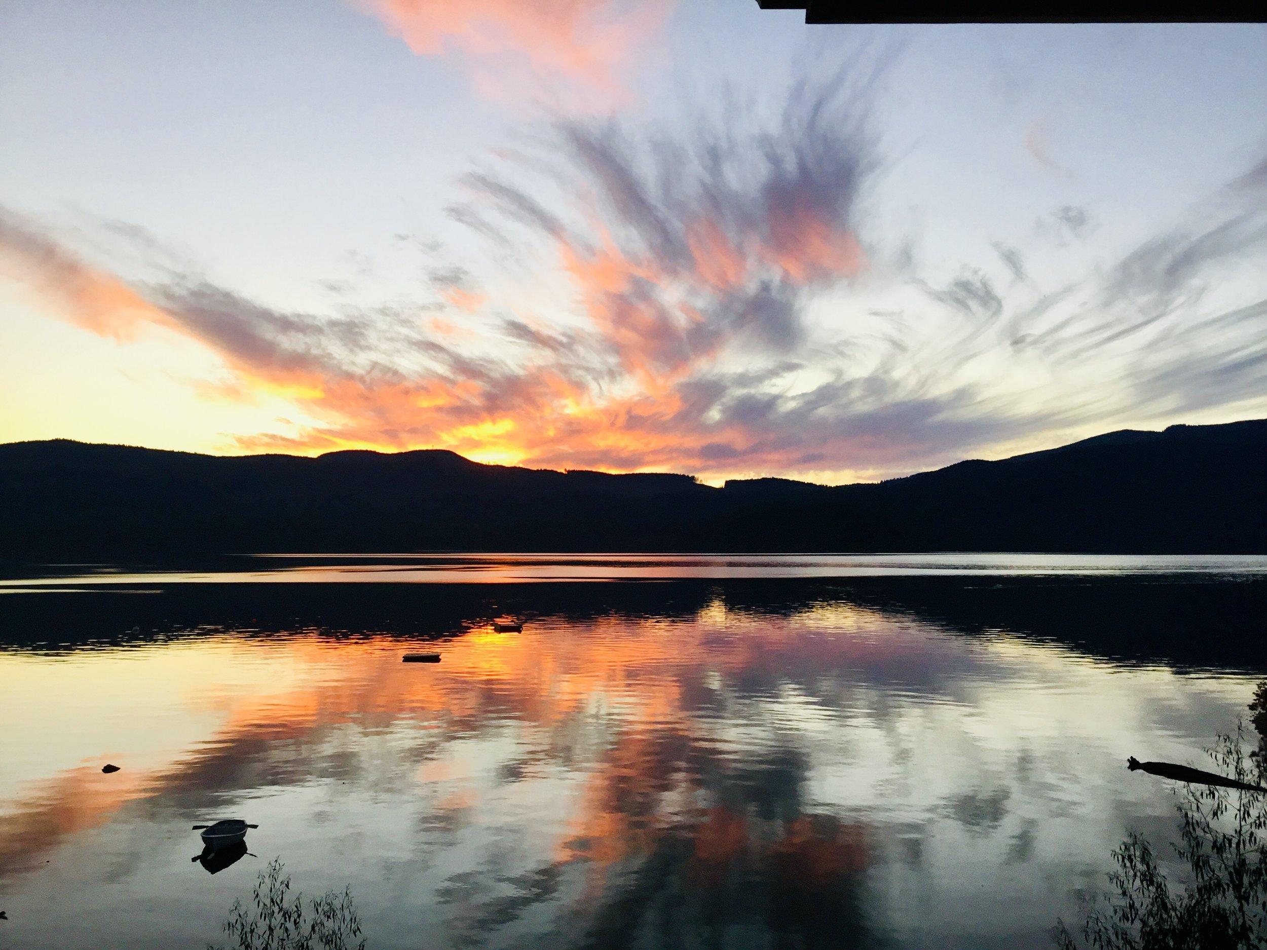 TuwanekHotel-Sunset-3.jpg
