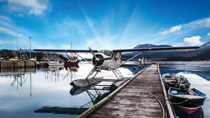 HARBOUR AIR SEAPLANES - FLY IN FROM VAN IN 20 MIN!