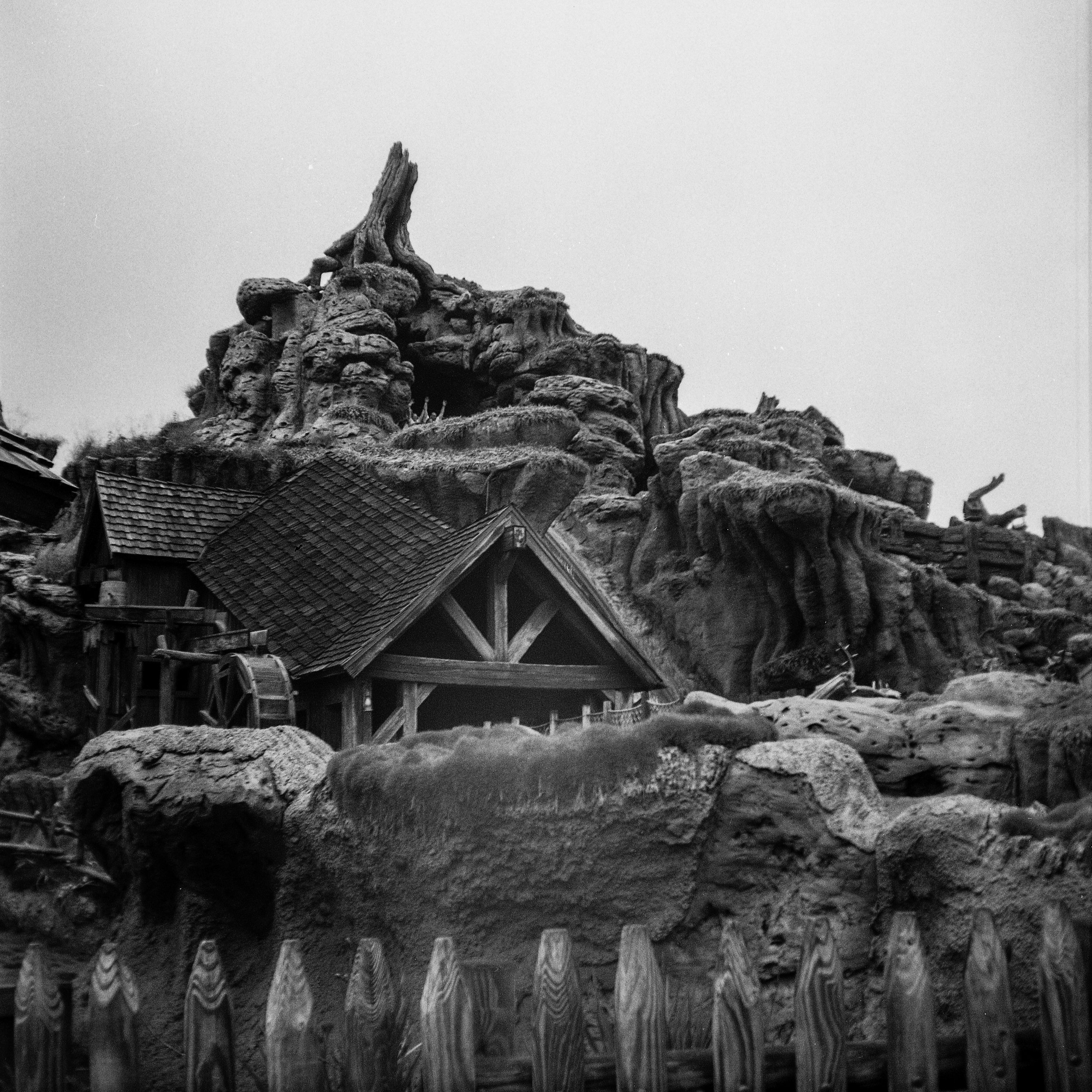 1949 Kodak Brownie Hawkeye Photo Medium Format 620 Film Zoe Kissel Photo Walt Disney World Magic Kingdom Frontierland Splash Mountain