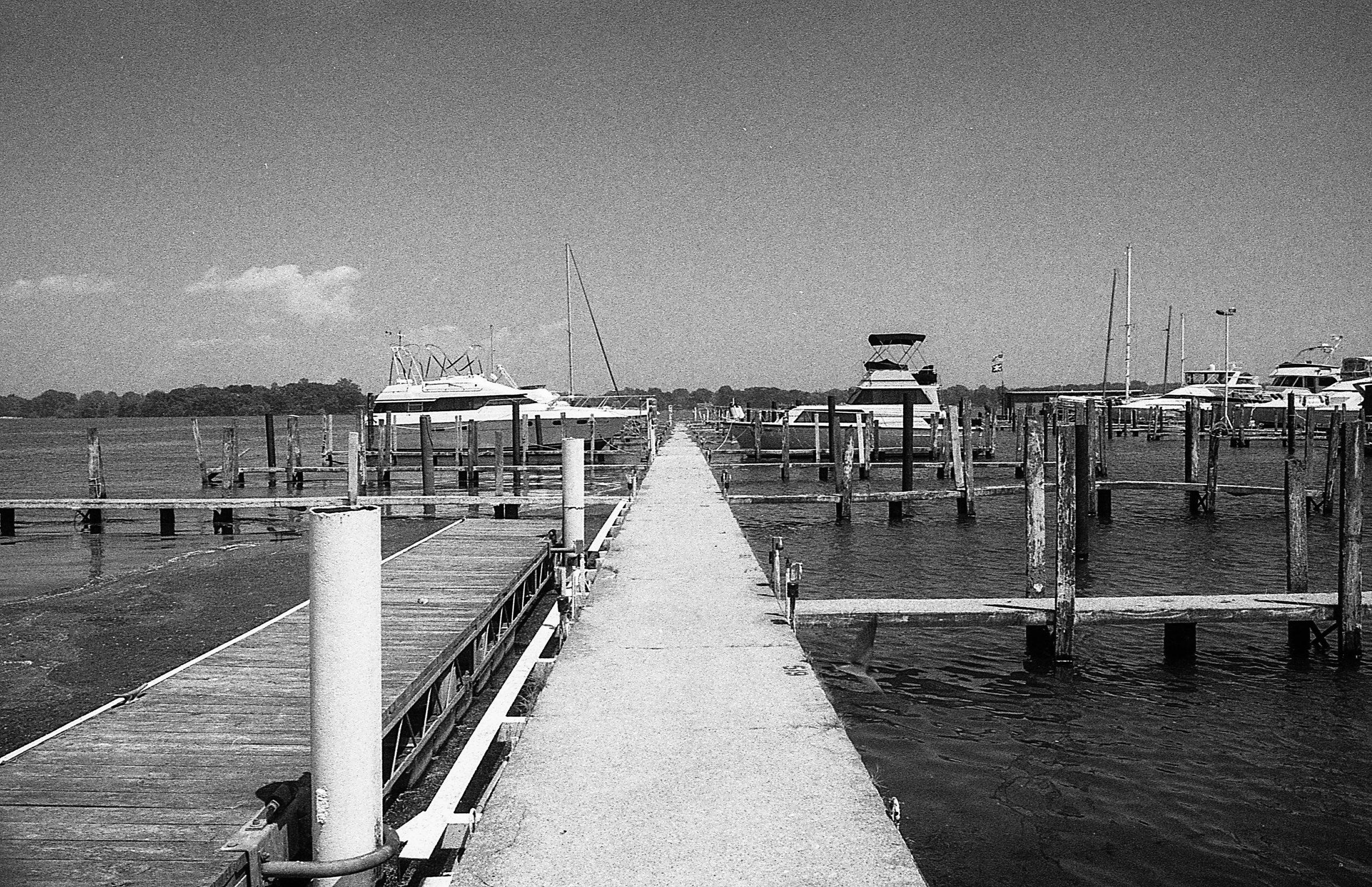 1981 Minolta X-700 Photo 35mm Film Zoe Kissel detroit river dunbar and sullivan michigan humbug marina