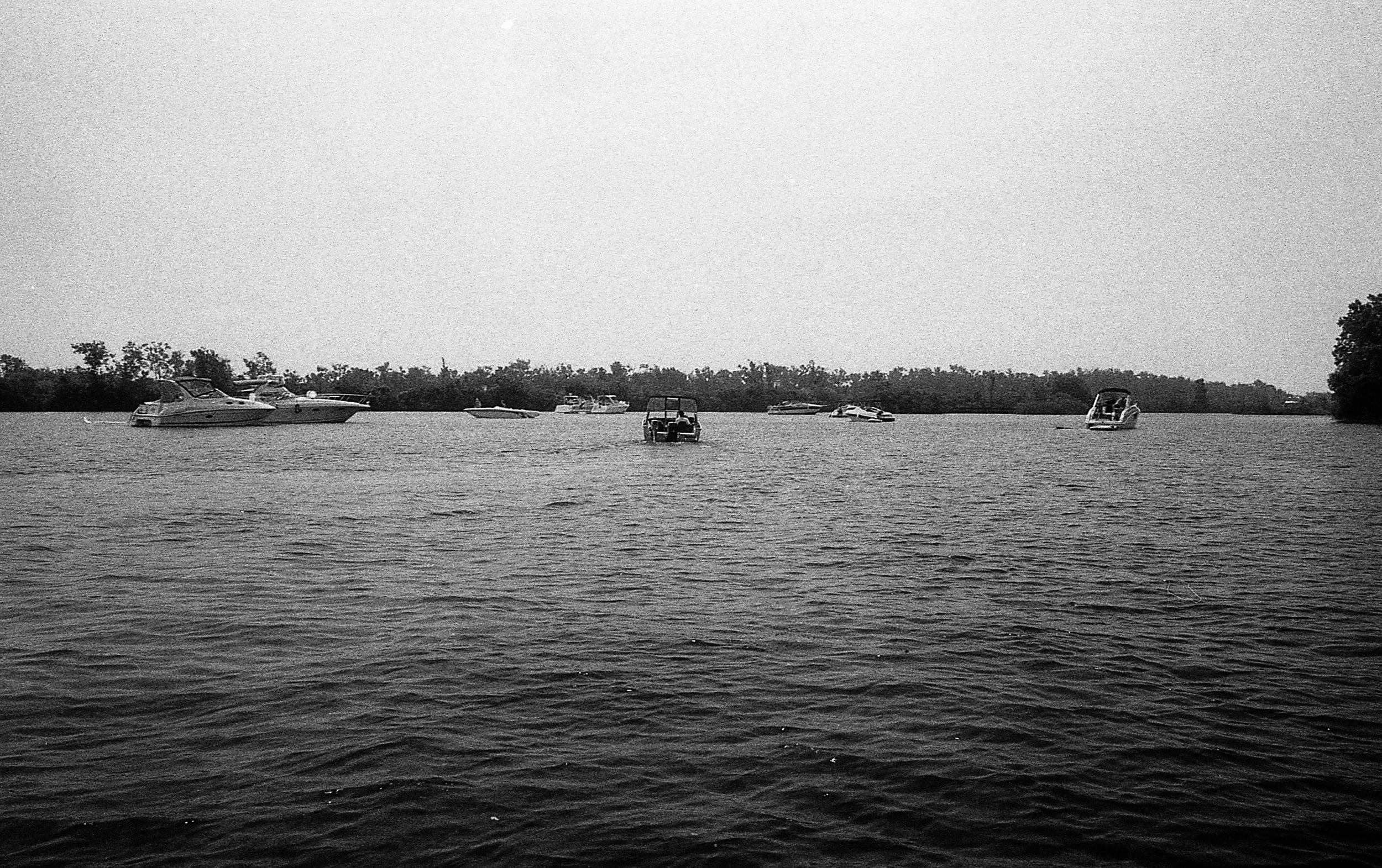 1981 Minolta X-700 Photo 35mm Film Zoe Kissel detroit river dunbar and sullivan michigan