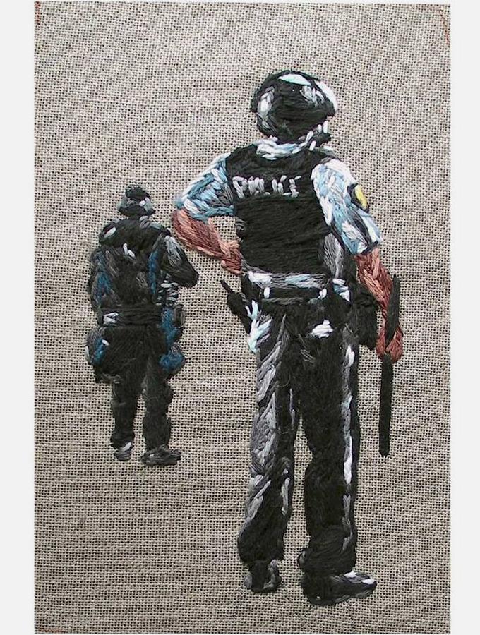 tricotin_police_julie-sarloutte