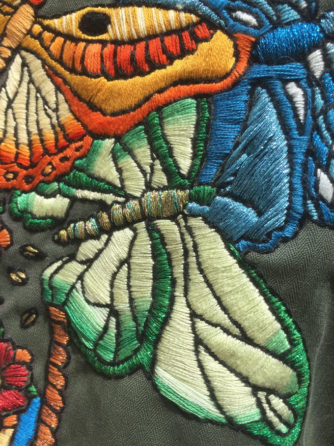 Interview Elise Vibert Vallet   - veste tatouee detail sur www.tricotine.com