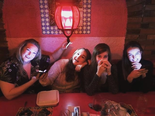 We were all in a Western so we eat at LA taquerias  Photo credz to the beautiful amazing @arina_gasanova_ • • • • •  #losangeles #girlsnight #girlsnightout #extras #ladies #bff #beauty #photography #redlighting #extras #hollywood #models #actress