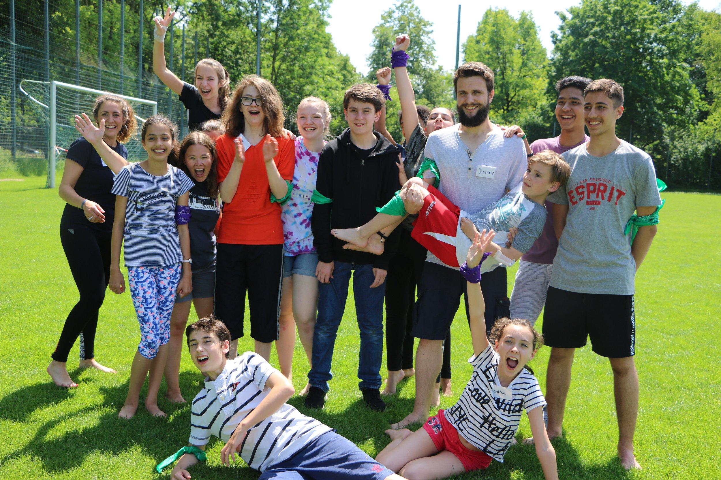 """All Camp Action - Ganz im Sinne von """"Active English"""" gibt es jeden Tag Aktion für alle zusammen. So wird das Englisch Camp eine einmalige Woche."""