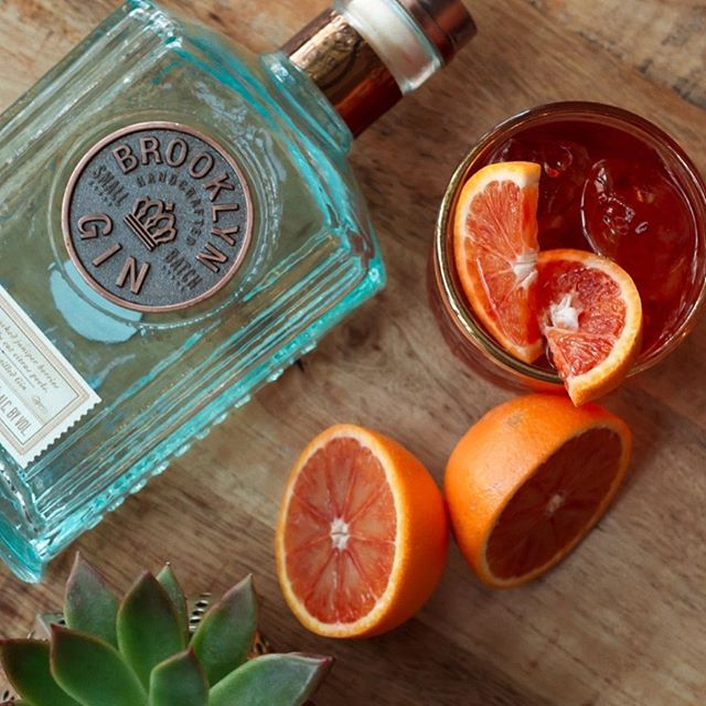 Not limited to just one week of the year we love Negroni's all the time! A go to on any cocktail menu, pop in and one of our lovely bartenders  will stir you up this classic with perfection 😉 - - - - - #mixology #mixologist #bartender #craftcocktail #craftcocktail #cocktails #bartending #negroni #negroniweek #cocktailporn #cocktailtime #drinkstagram #bartenderlife #cocktailoftheday #cocktailhour #instadrink #garnish #summer #se23 #londonlife #londonbars #southlondoneateries #prettycitylondon #londonnightlife #iglondon  #londoncafes #londonbars #summer #summerdrinks #summerinlondon #brooklyngin #campari #bloodorange