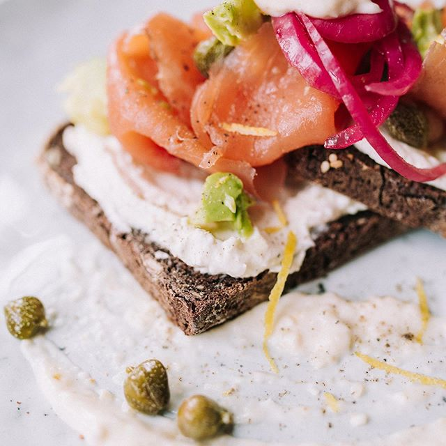 Smoked Salmon on Rye with horseradish cream! It's the weekend and we're open from 9am serving our delicious brunch all day Saturday and Sunday along with some tasty homemade cakes and let's not forget the best coffee in south London from the guys @ozone - - - - - - #cake #homemade #coffee #londonlifestyle #se23 #honoroak #thisisllondon #lunch #brunch #londonbrunch #londonbreakfast #foodie #londonfoodie #nomnom #foodporn #londoncafe #londoncoffeeshop #cleaneating #healthy #veggiebreakfast #vegetarian #instafood #instagood #instadaily  #southlondon #southlondoneateries #cafe #cakeshop