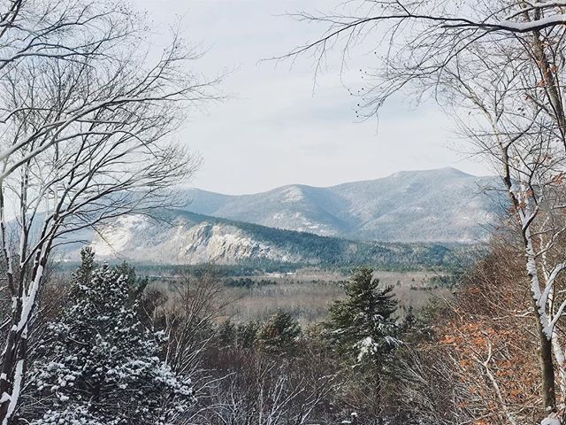 Missing these mountain views from @viennalodge today! . . . #cranmoremountain #attitashmountain #viennalodge #northconwayvillage #northconway #northconwaynh #mountainview #airbnb #whitemountains #mountaingetaway