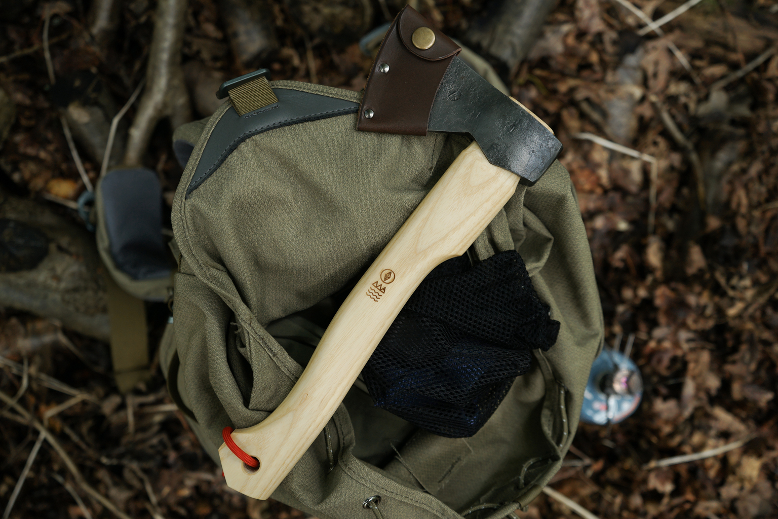 hikers_hatchet_5.jpg