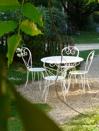 horse riding holidays and lodging for adults in France