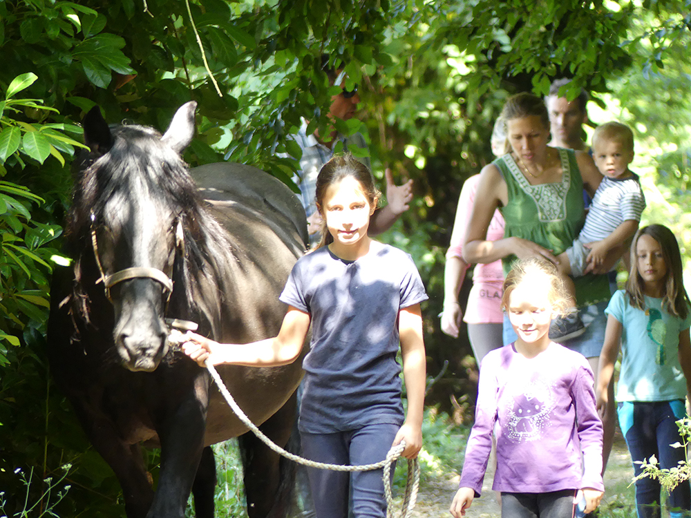vacances-cheval-famille.jpg