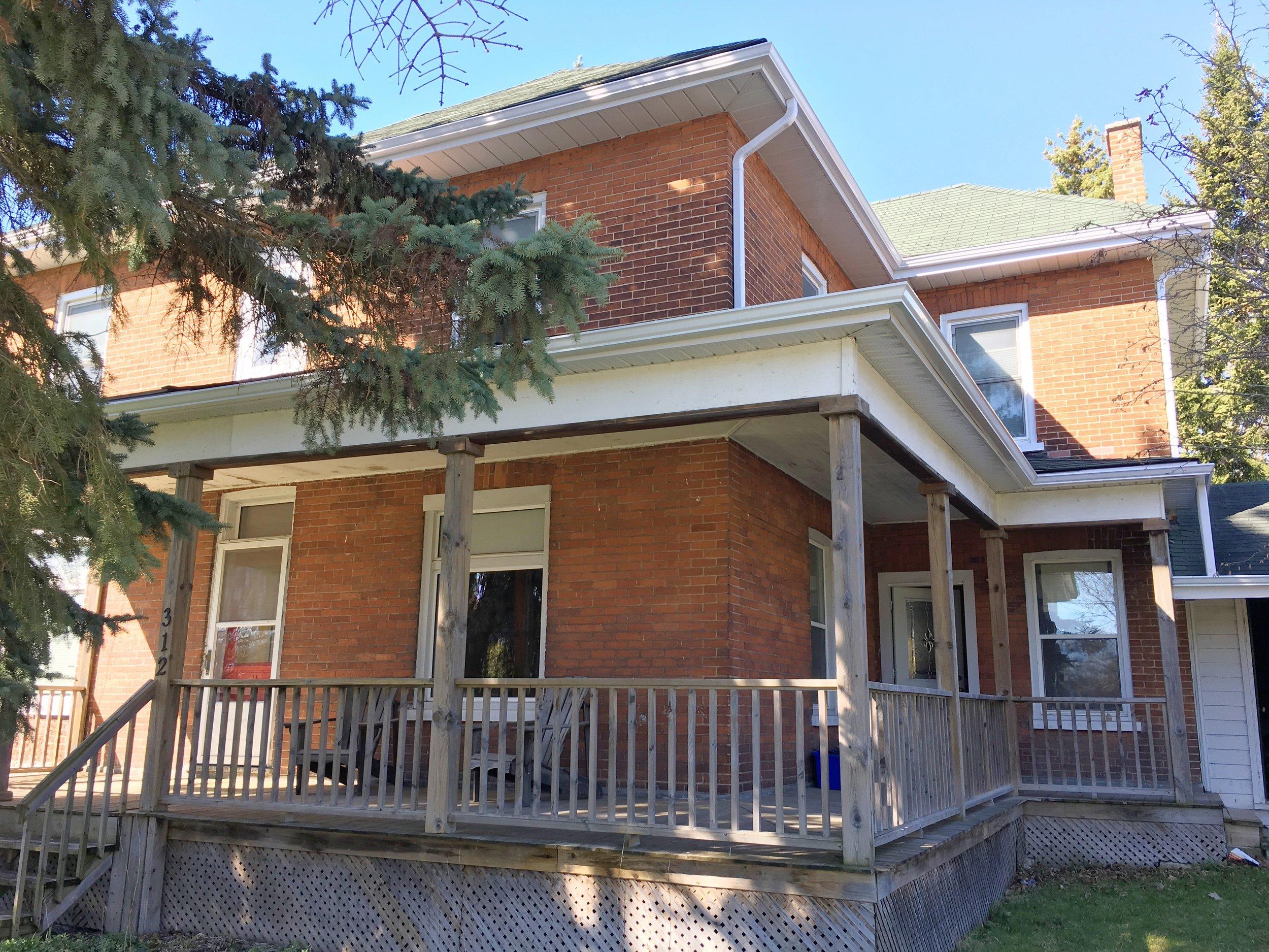 312 Herchimer Ave simplybellevillerealestate.com Front.jpg