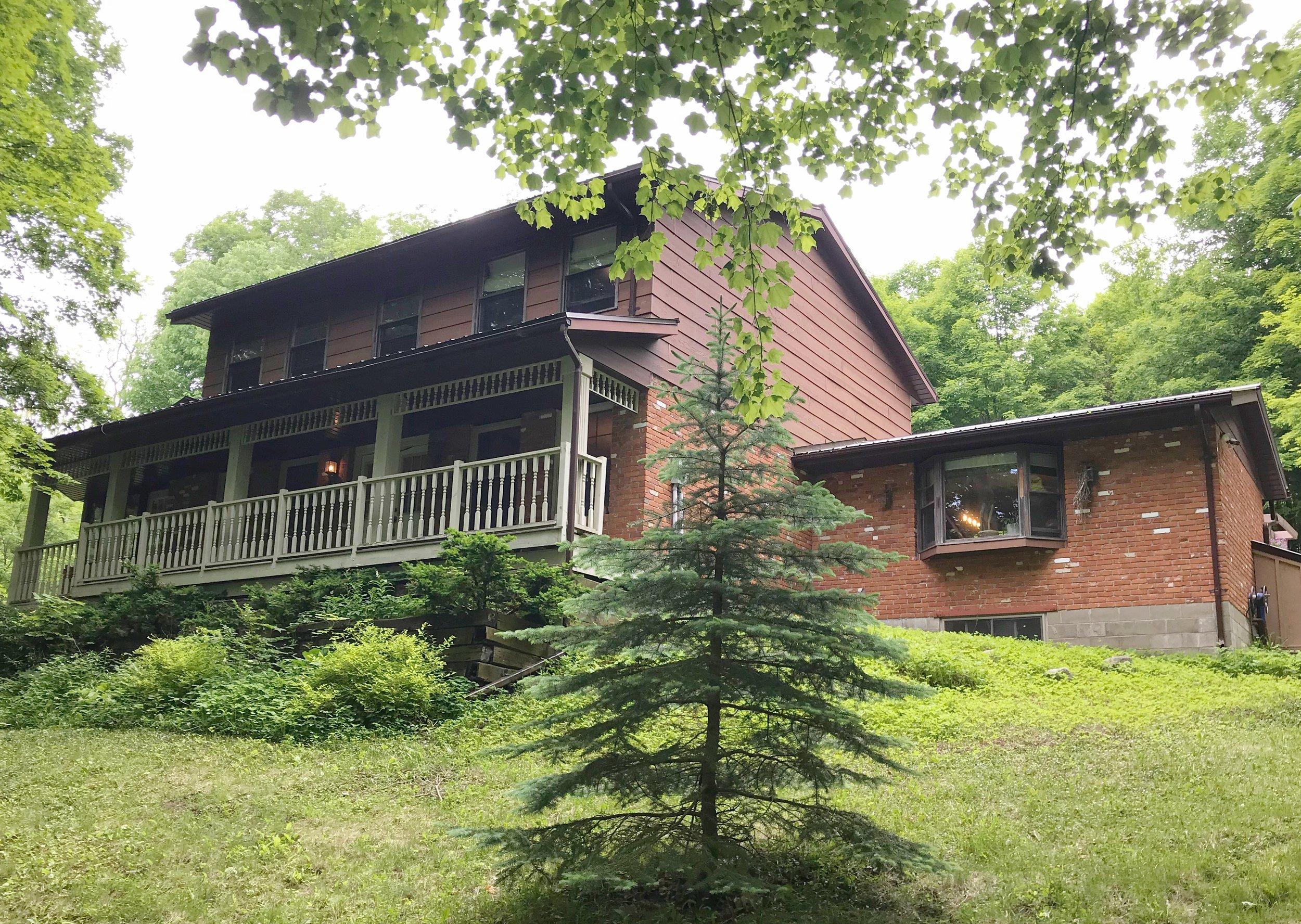 237 Beatty Rd simplybellevillerealestate.com Main.jpg