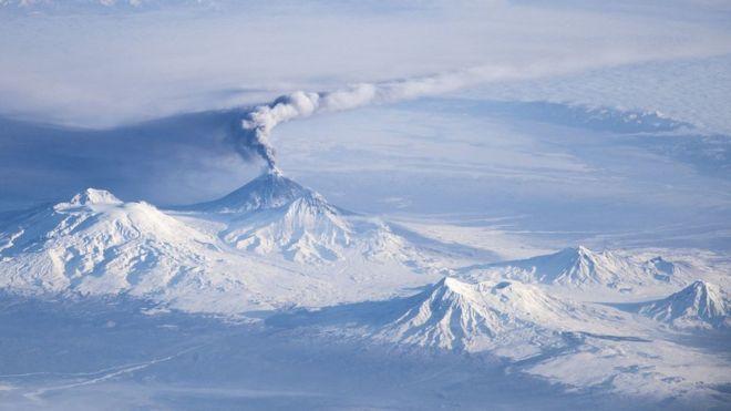 _107297119_iss-38_kliuchevskoi_volcano_on_kamchatka.jpg