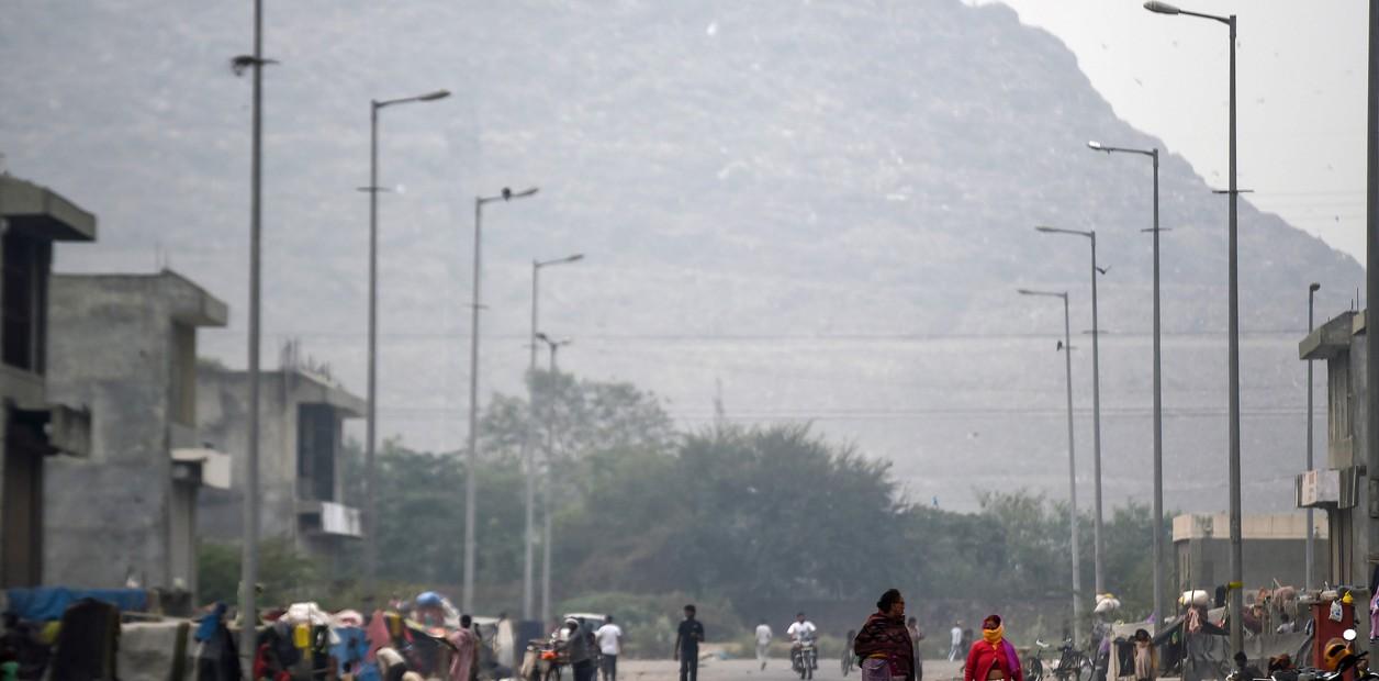 los-residentes-caminan-por-las___JjFMlnAYj_1256x620__1.jpg