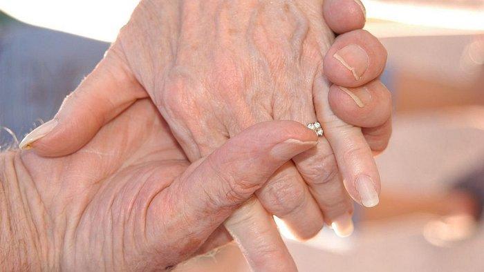 pareja-de-ancianos-fallece-el-mismo-dia-tras-70-321342-093226-jpg_700x0.jpg