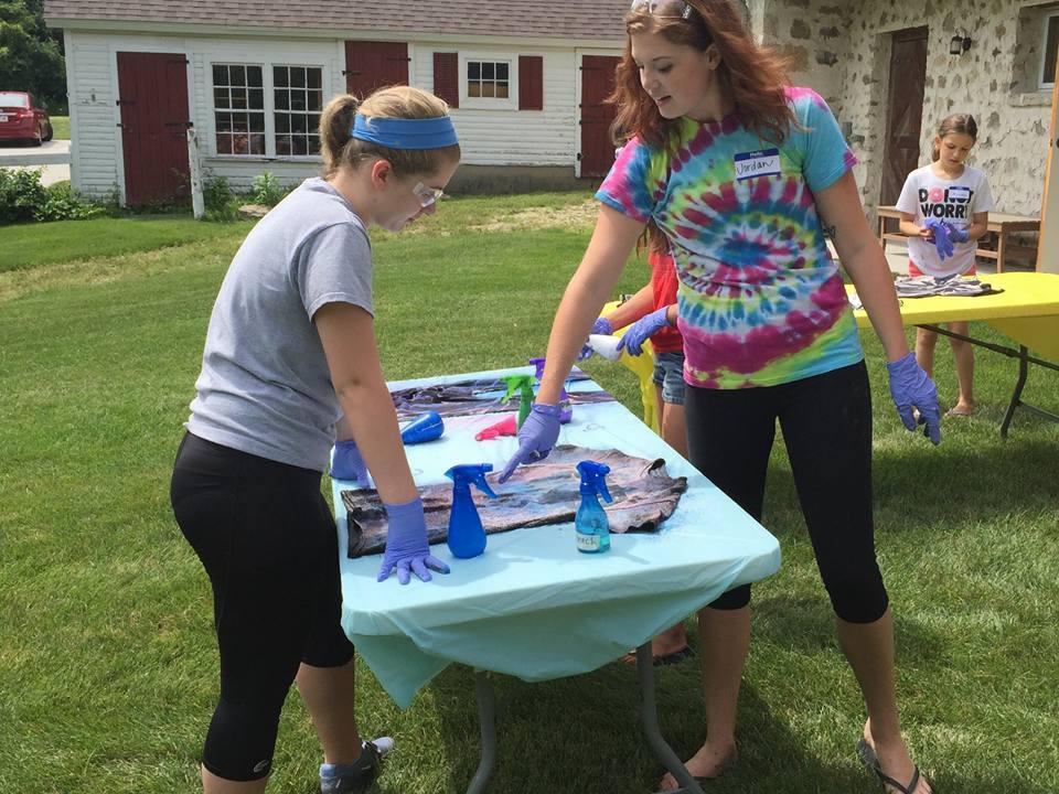 Wisconsin-Museum-Quilts-Fiber-Arts-Youth-Summer-Class-Tie-Dye-Cedarburg-Visit