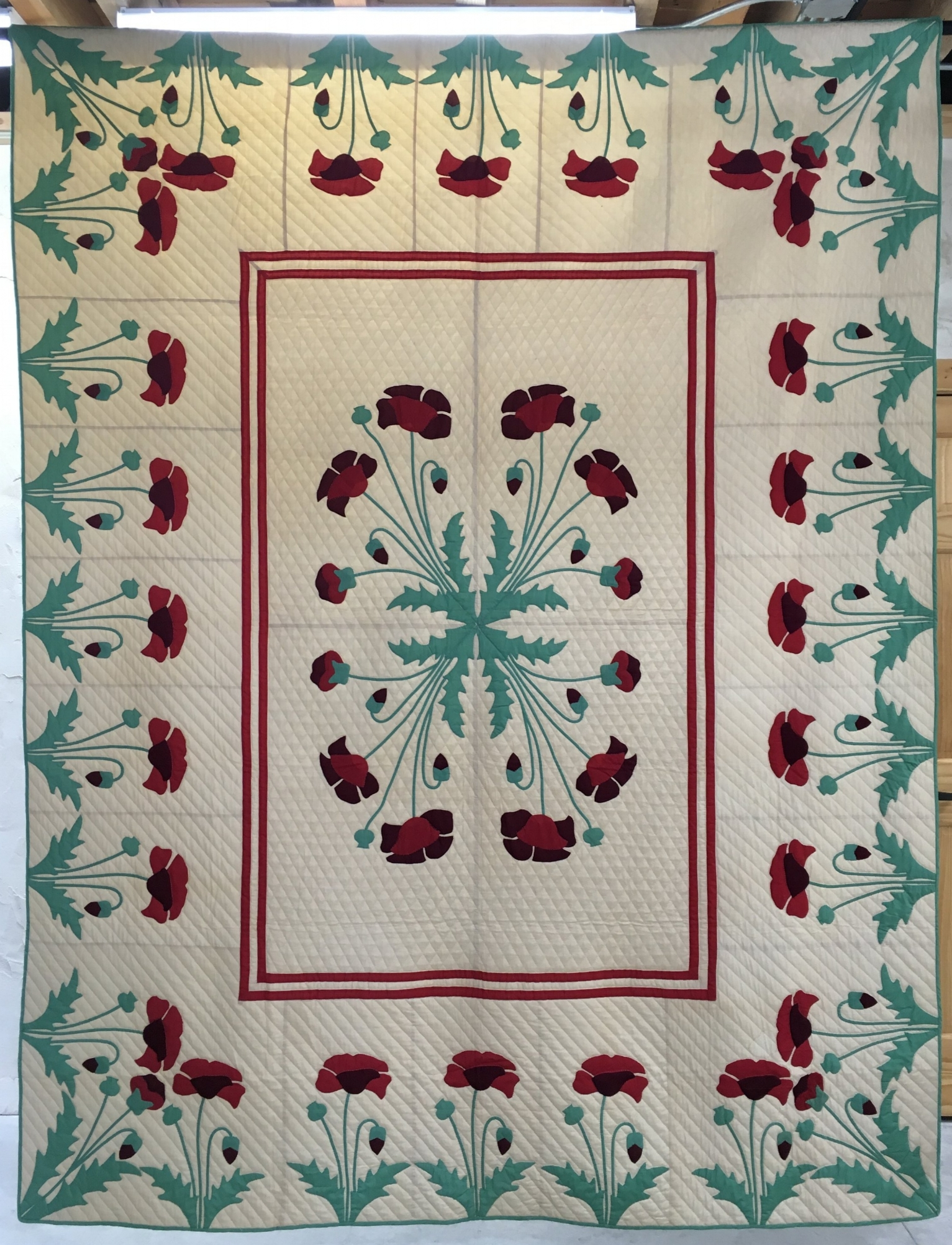 Poppies- Mary McElwain kit quilt