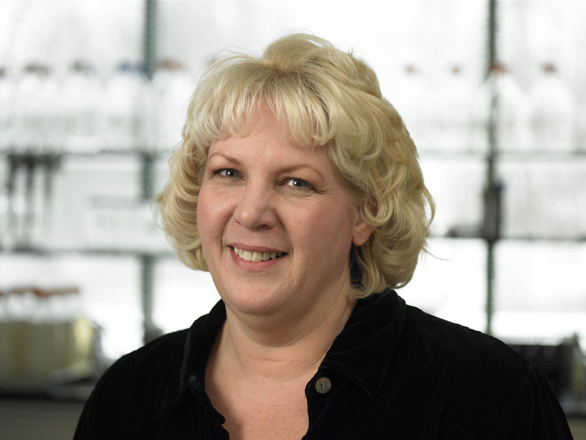 Linda Professional.jpg
