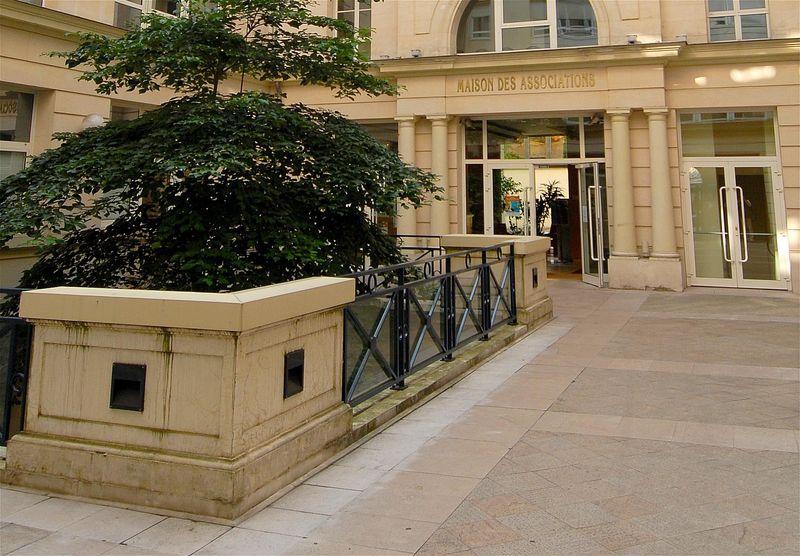 Maison+des+associations+à+Neuilly+sur+Seine.jpg