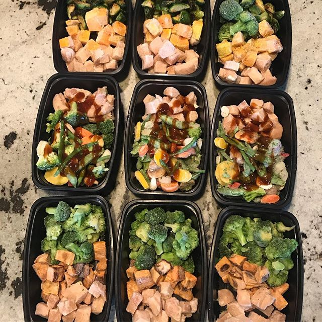 "Freezer lunches prepped and ready for future work days! Packing a veggie loaded lunch is a great way to save time, money and increase the veggie intake for the day. 🍅🍆🥦🥒🥔🥕 On the menu this week? Roasted chicken/sweet potato/broccoli, chicken/stir fry veggies with Kung Pao sauce, chicken/butternut squash/Brussels sprouts, and zucchini/turkey lasagna with sweet potato ""noodles""  Local friends- interested in stocking up your freezer with ready made nutritious freezer lunches? Send me a PM or email jody@koutznutrition.com for details and customization. #knw #koutznutrition #mealprep #freezermeals #moreveggies #ihatepackinglunches"
