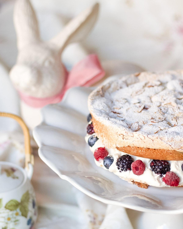 hazelnut-berry-meringue-cake3.jpg