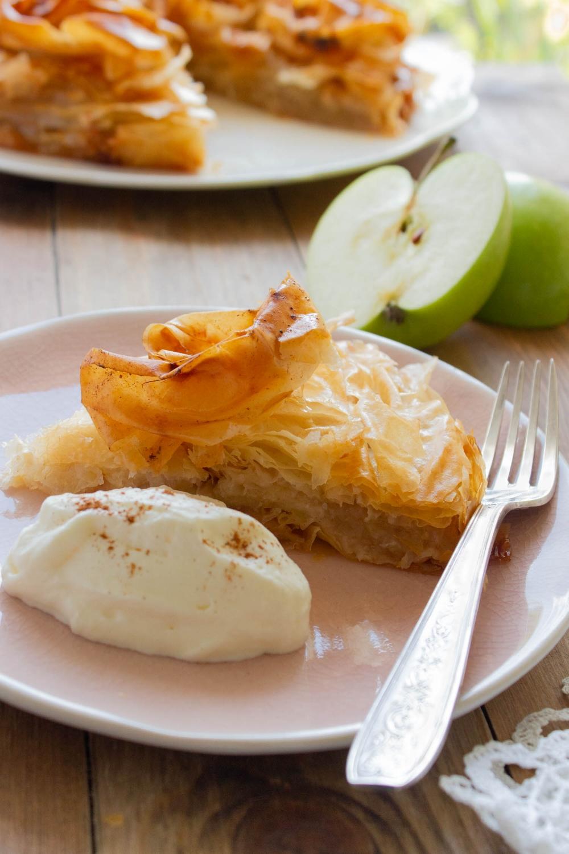 sliced-apple-croustade-closeup
